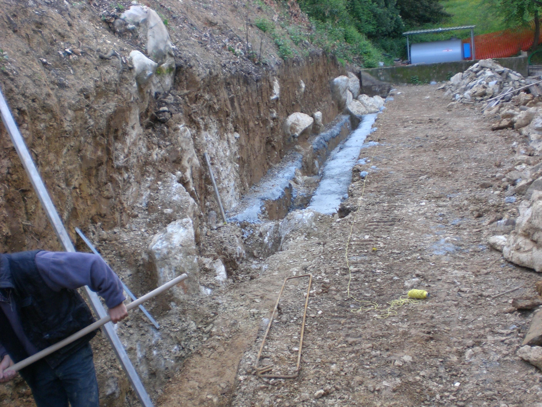 Muri in pietra ed in tufo quiriconi for Consolidare un terreno